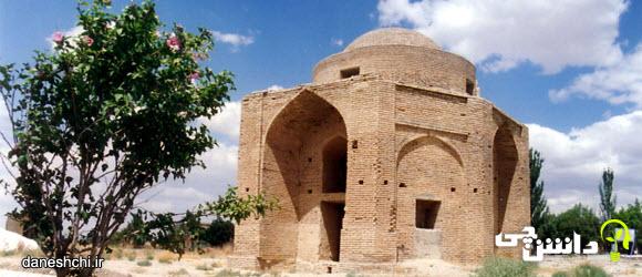 ادبیات بومی شیروان | مقبره چهار تاقی تیموری